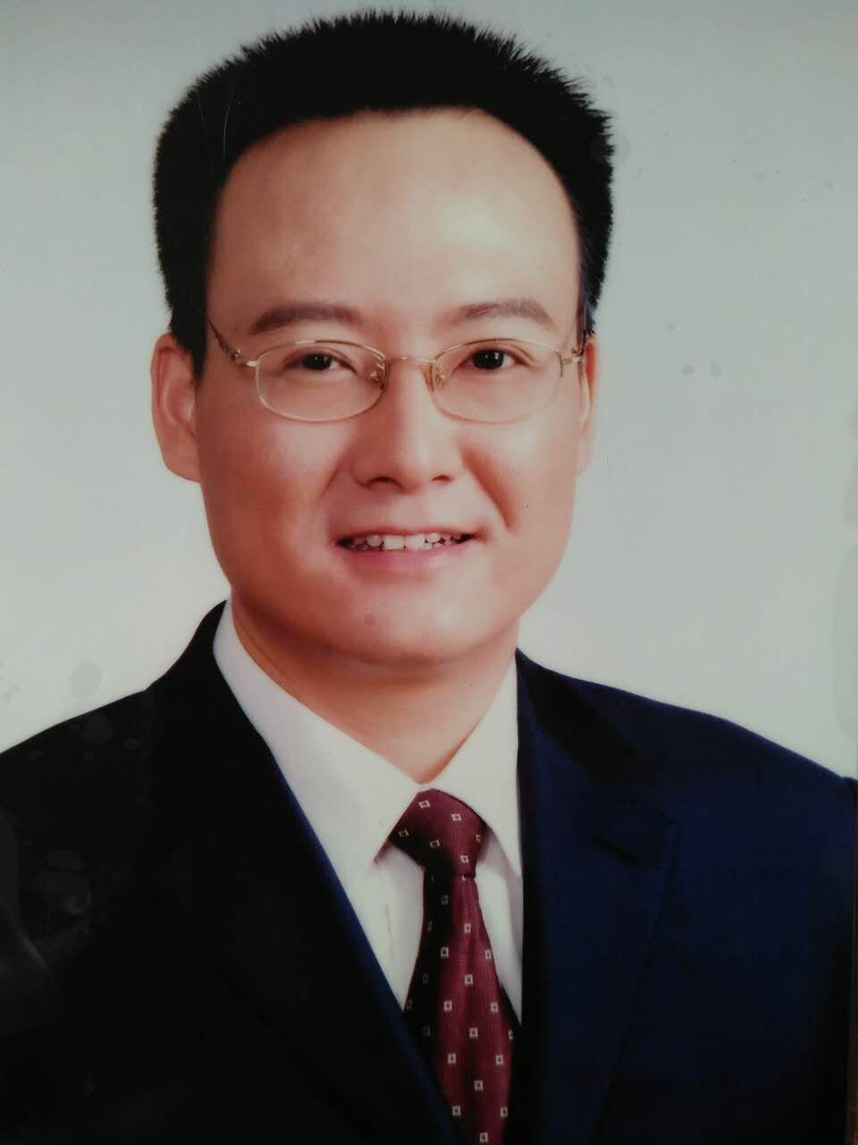 钟文华律师