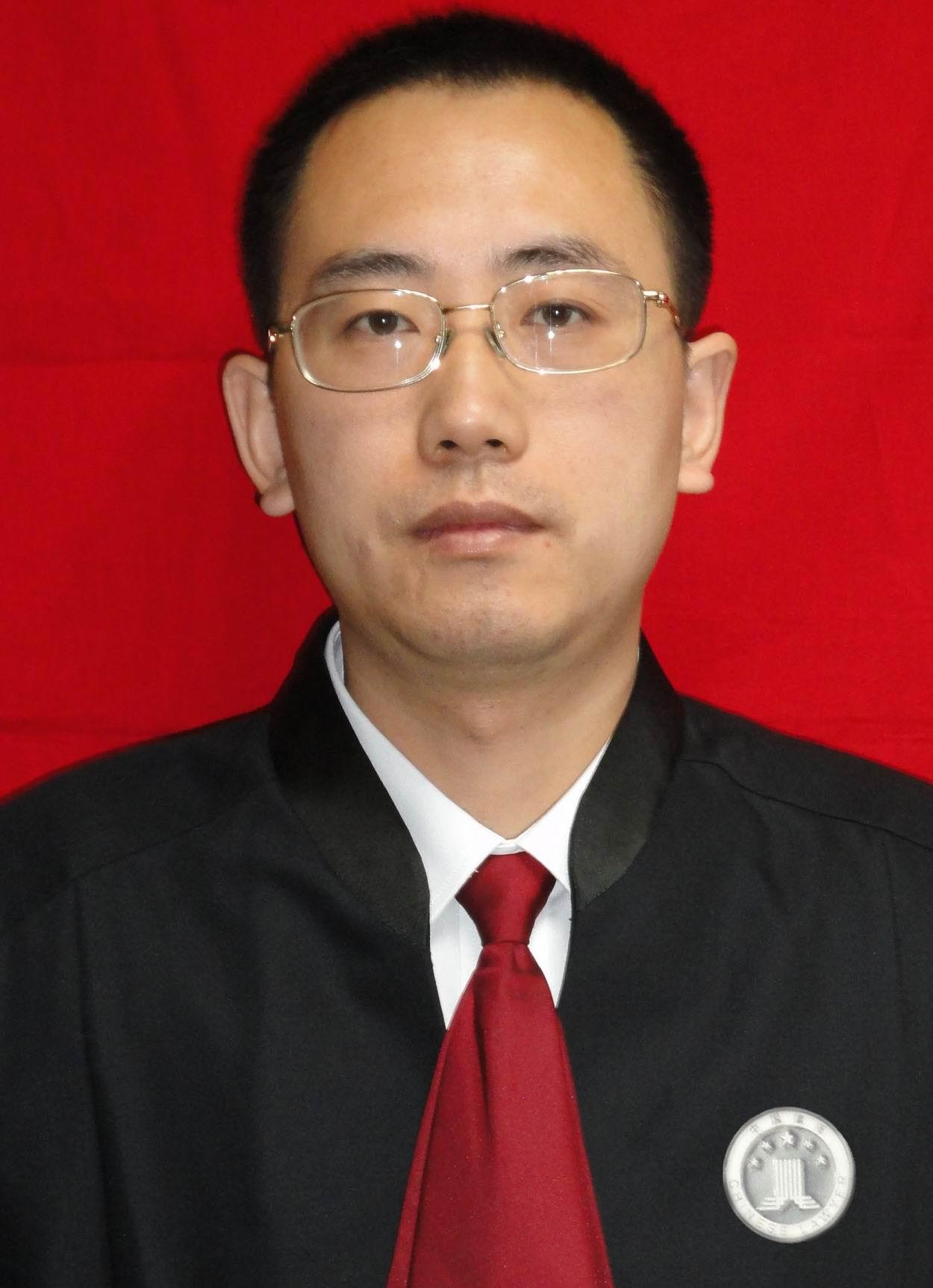 鲁宏_律师照片
