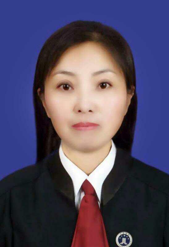 王爱英律师